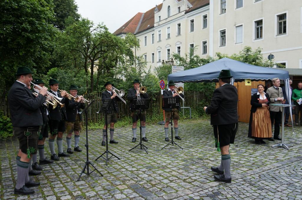 Die Bläsergruppe des Musikverein Polling eröffnete den 2. Kulturtag zusammen mit Bürgermeisterin Felicitas Betz und Kulturreferent Michael Jarnach